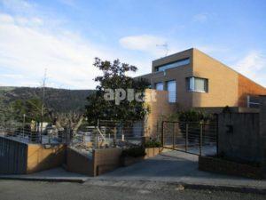 Unifamiliar aïllada en venda de 437 m²