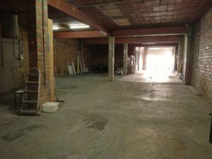 Local en venda o lloguer de 240 m² (preparat per construïr)